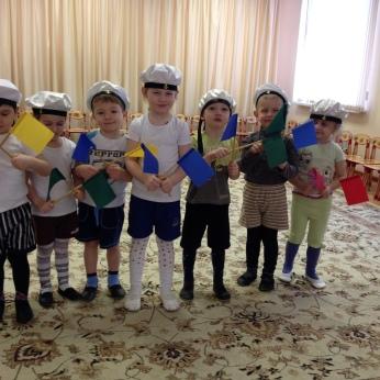 Малыши-морячки