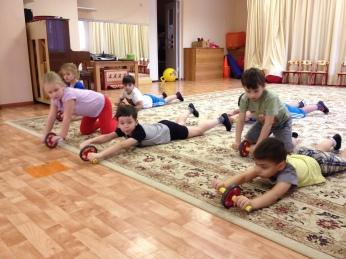 Упражнения с колесиком