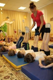 Упражнения на матах
